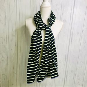 Accessories - GAP navy and green scarf
